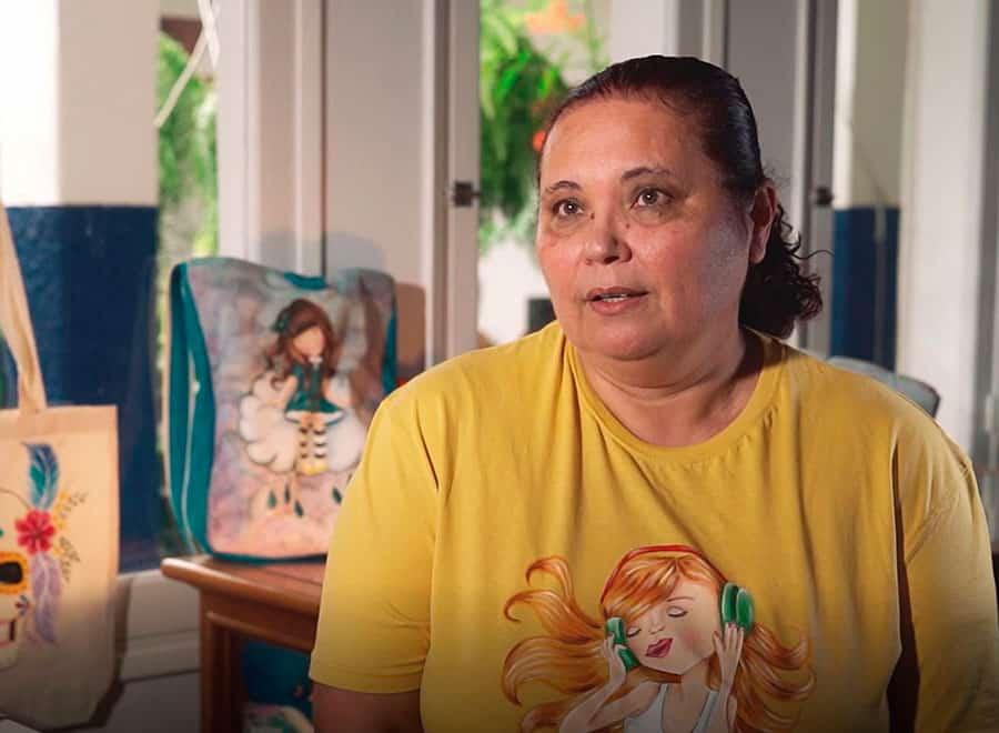 Marlene García Acero, artesana decoración sobre tela